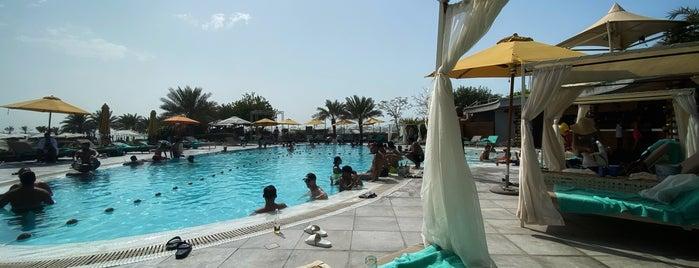 ART Rotana Swimming Pool is one of Majd 님이 저장한 장소.