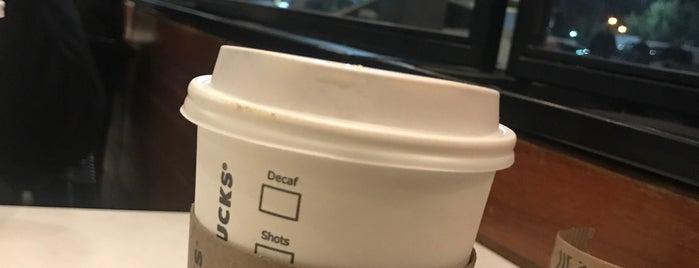Starbucks is one of Tempat yang Disukai renklimelodiblog.