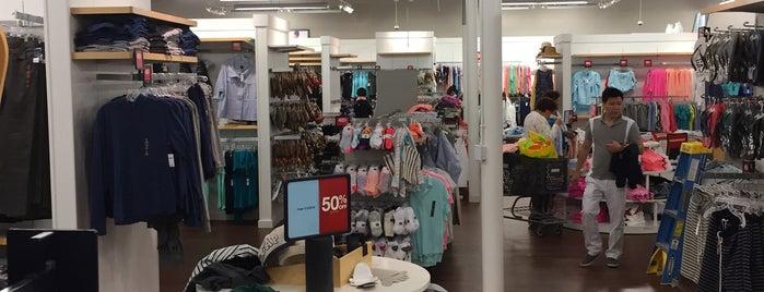 Gap Factory Store is one of สถานที่ที่ Eric ถูกใจ.