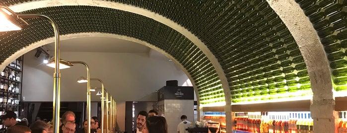 By the Wine - José Maria da Fonseca is one of สถานที่ที่ Florian ถูกใจ.
