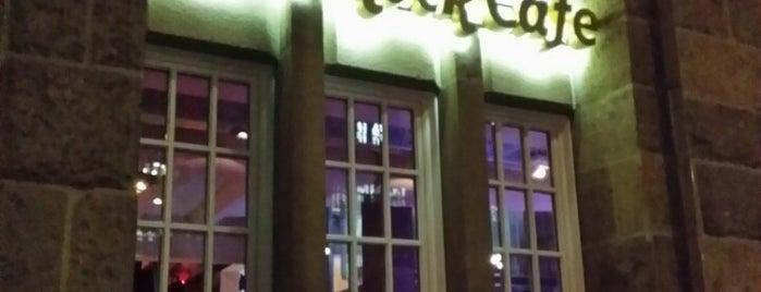 Hard Rock Cafe is one of Locais curtidos por Ceyda.