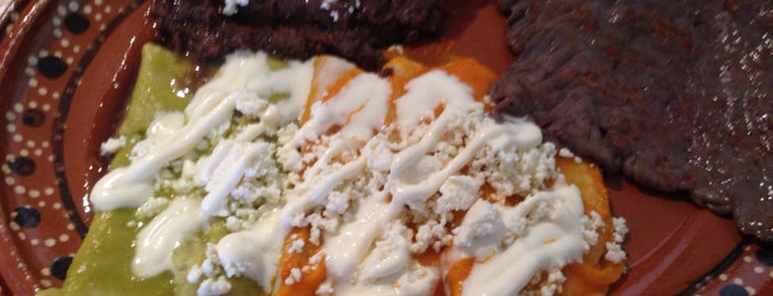 La Fonda Huasteca Cocina Tradicional is one of Mexicana.