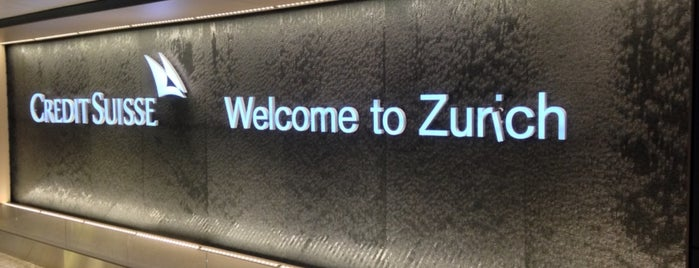 Aeroporto de Zurique (ZRH) is one of Locais curtidos por Frank.