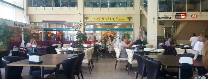 Fenerbahçe Orduevi Alışveriş Merkezi is one of สถานที่ที่ Korhan ถูกใจ.