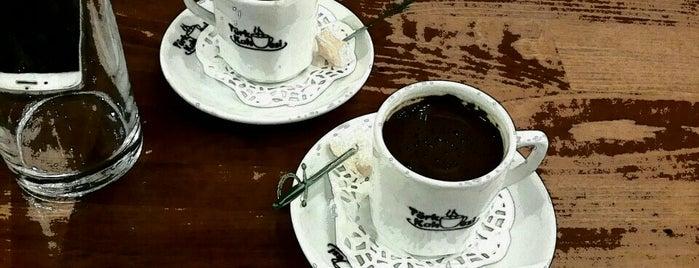 Türk Kahvesi is one of Locais salvos de Yasemin Arzu.
