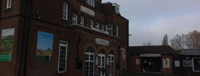 West London Shooting School is one of Lieux sauvegardés par Jack.