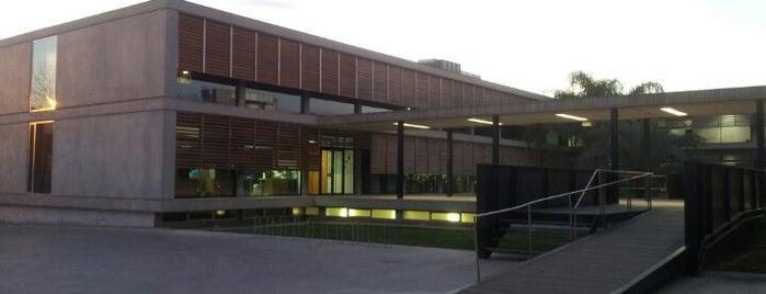 Centro Superior de Idiomas de la Universidad de Alicante is one of Настяさんのお気に入りスポット.