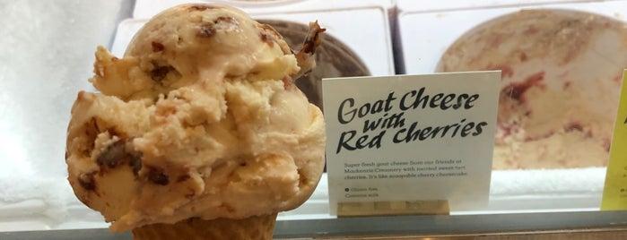 Jeni's Splendid Ice Creams is one of Posti che sono piaciuti a Janell.