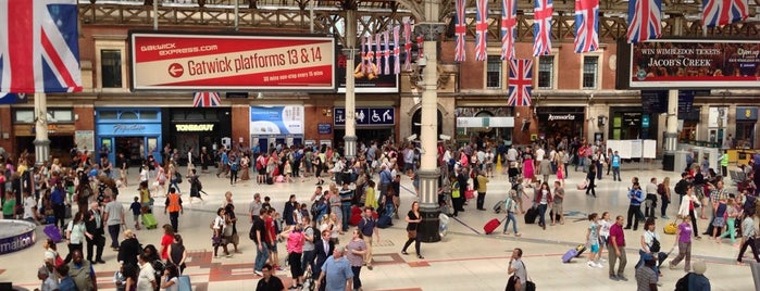 London Victoria Railway Station (VIC) is one of Posti che sono piaciuti a Ricardo.