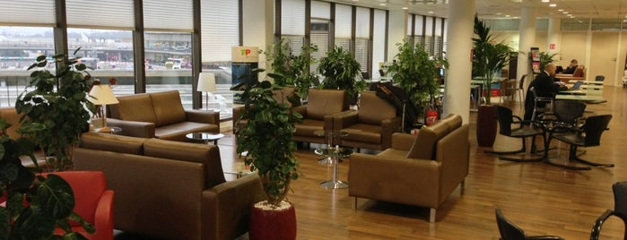 Iberia VIP Lounge is one of MES AÉROPORTS.