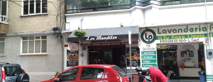 Los Mandiles Tacos de Guisado is one of Tacos.