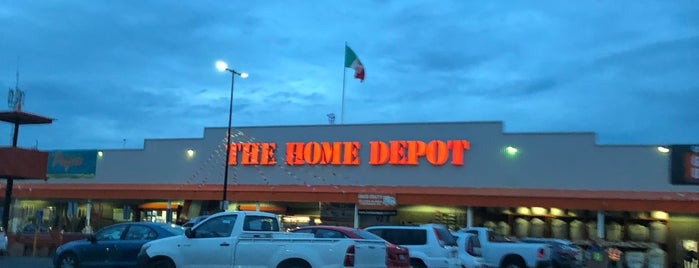 The Home Depot is one of Lieux qui ont plu à Karla.