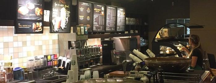 Starbucks is one of Locais curtidos por Nadine.