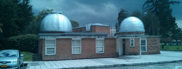 Observatorio Astronómico Nacional is one of Carlさんのお気に入りスポット.