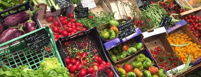 Carrefour Market is one of Daniele'nin Beğendiği Mekanlar.