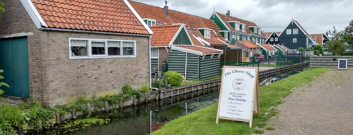 Marken is one of هولندا.