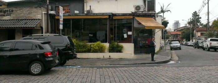 Kape Karaoke Bar is one of Orte, die cleber gefallen.