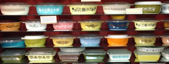 Amy Burnett Gallery and Pyrex Museum is one of Museum Hitlist.