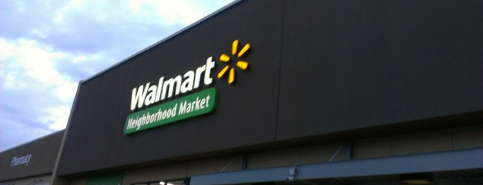 Walmart Neighborhood Market is one of Locais curtidos por Emily.