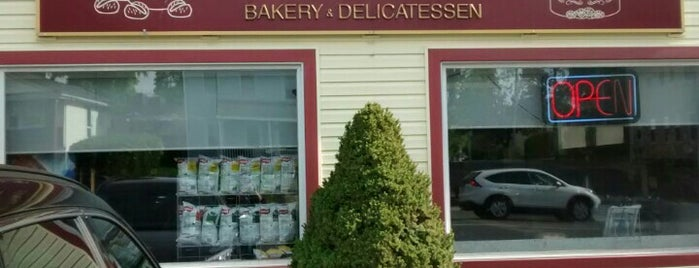 D'Orsi's Bakery & Delicatessen is one of Lugares guardados de Patrice M.