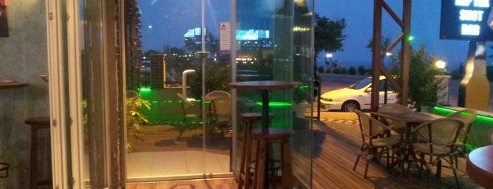Hep Tek Shot Bar is one of Antalya Etiket Bonus Mekanları 🌴🍁🍃.