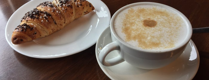 Corner Cup Coffee House is one of Lieux qui ont plu à Bruna.