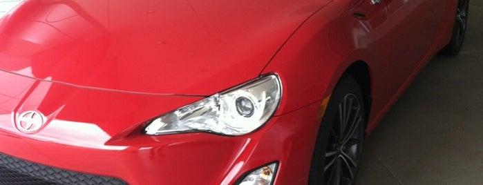 Dave Edwards Toyota is one of สถานที่ที่ Drew ถูกใจ.
