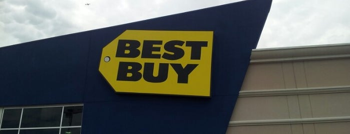 Best Buy is one of Orte, die M. gefallen.