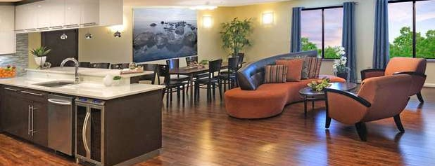 Best Western Plus Lewisville Coppell is one of Tempat yang Disimpan Lucretia.