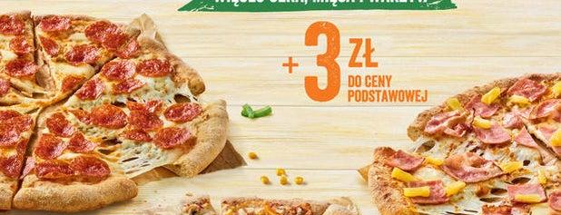 Pizza Hut is one of Locais curtidos por Carl.