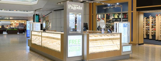 Piercing Pagoda is one of Queens Center Mall.