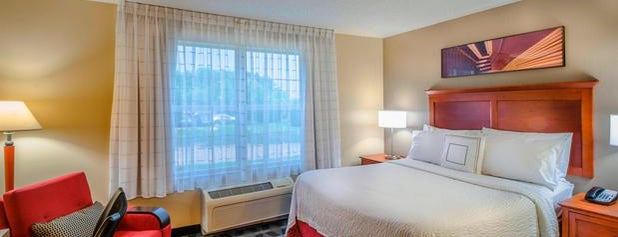TownePlace Suites by Marriott Baltimore BWI Airport is one of Posti che sono piaciuti a Alberto J S.