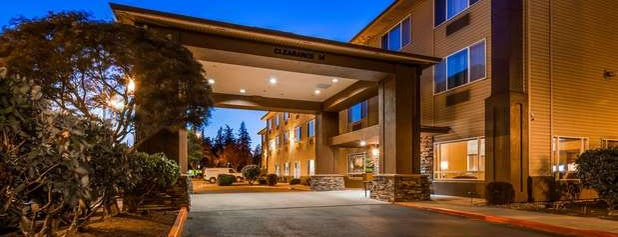 Best Western Plus Cascade Inn & Suites is one of Alex & G.