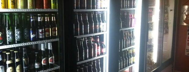 HD Beans and Bottles Café is one of Matt: сохраненные места.