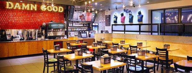 Torchy's Tacos is one of สถานที่ที่ Mel ถูกใจ.
