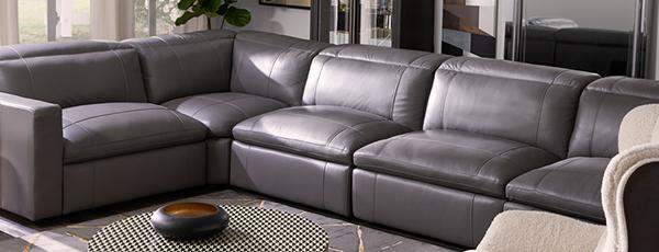 American Signature Furniture is one of Orte, die Clark gefallen.