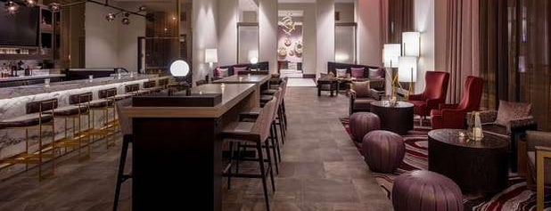 Embassy Suites by Hilton is one of Tempat yang Disukai Bridget.
