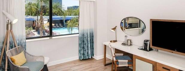 Renaissance Newport Beach Hotel is one of Tempat yang Disukai Jimmie.