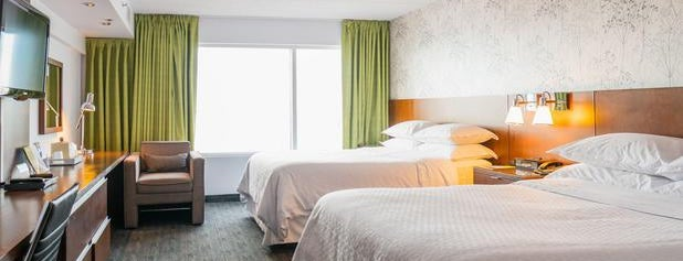 Four Points by Sheraton Winnipeg International Airport is one of Lugares favoritos de Alan.