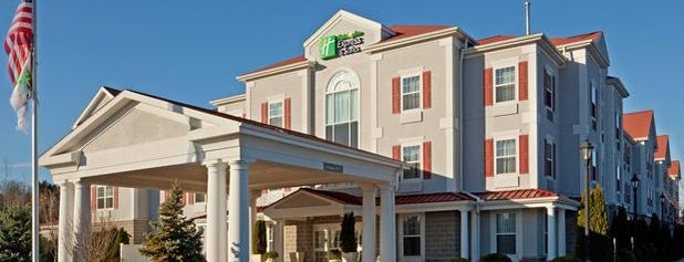 Holiday Inn Express & Suites Amherst-Hadley is one of Michael 님이 좋아한 장소.