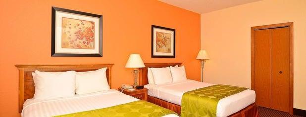 Fairfield Inn & Suites Cherokee (North Carolina) is one of Lugares favoritos de Kyle.