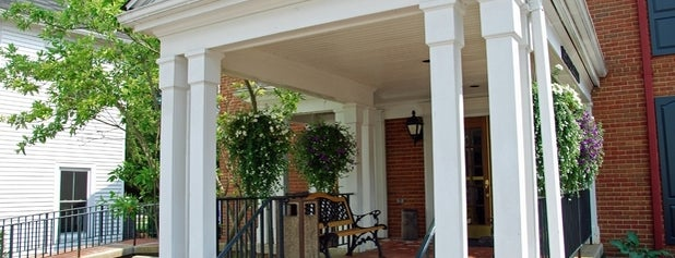 Kenyon Inn is one of สถานที่ที่ Anne ถูกใจ.
