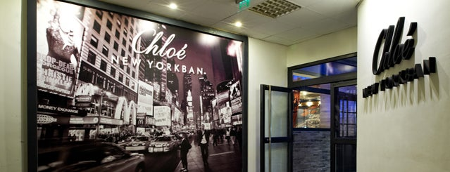 Chloé New Yorkban is one of Andrea 님이 저장한 장소.