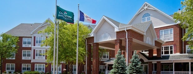 Country Inn & Suites By Radisson, Des Moines West, IA is one of สถานที่ที่ Jim ถูกใจ.