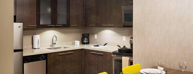 Residence Inn by Marriott Portland Downtown/Pearl District is one of Lugares favoritos de Trish.