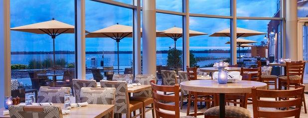 Shoreline Bar & Grille is one of Nick : понравившиеся места.