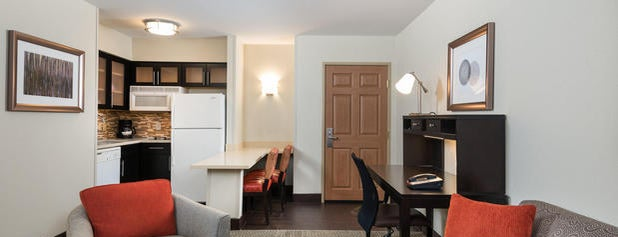 Staybridge Suites Chantilly - Fairfax is one of Hopster's Hotels.
