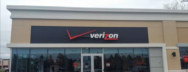 Verizon is one of Orte, die Lindsaye gefallen.
