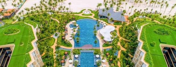 Intercontinental Phu Quoc Long Beach Resort is one of สถานที่ที่ Henry ถูกใจ.