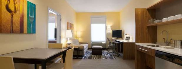 Home2 Suites by Hilton Orlando/International Drive South is one of Posti che sono piaciuti a Ed.